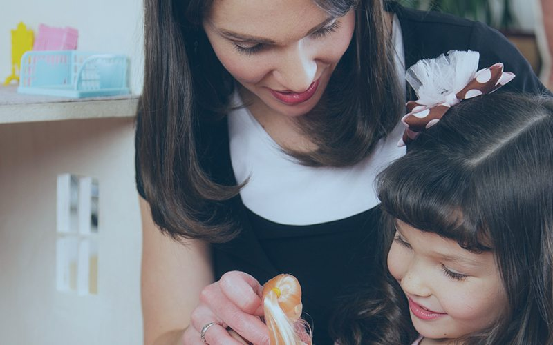 Offering Toronto childcare nanny services